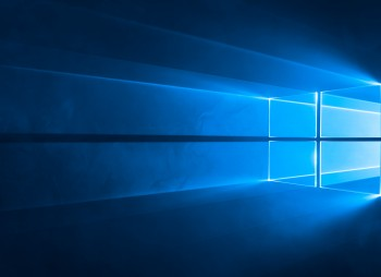 windows_10_light_and_mirror_background_0